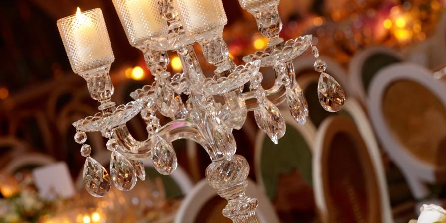 Classy wedding table setting